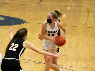 Chelsea Girls' Hoops Remain Undefeated in SEC White