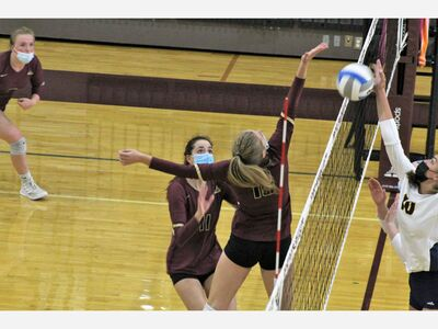 Dexter Volleyball Defeats Lincoln in Straight Set